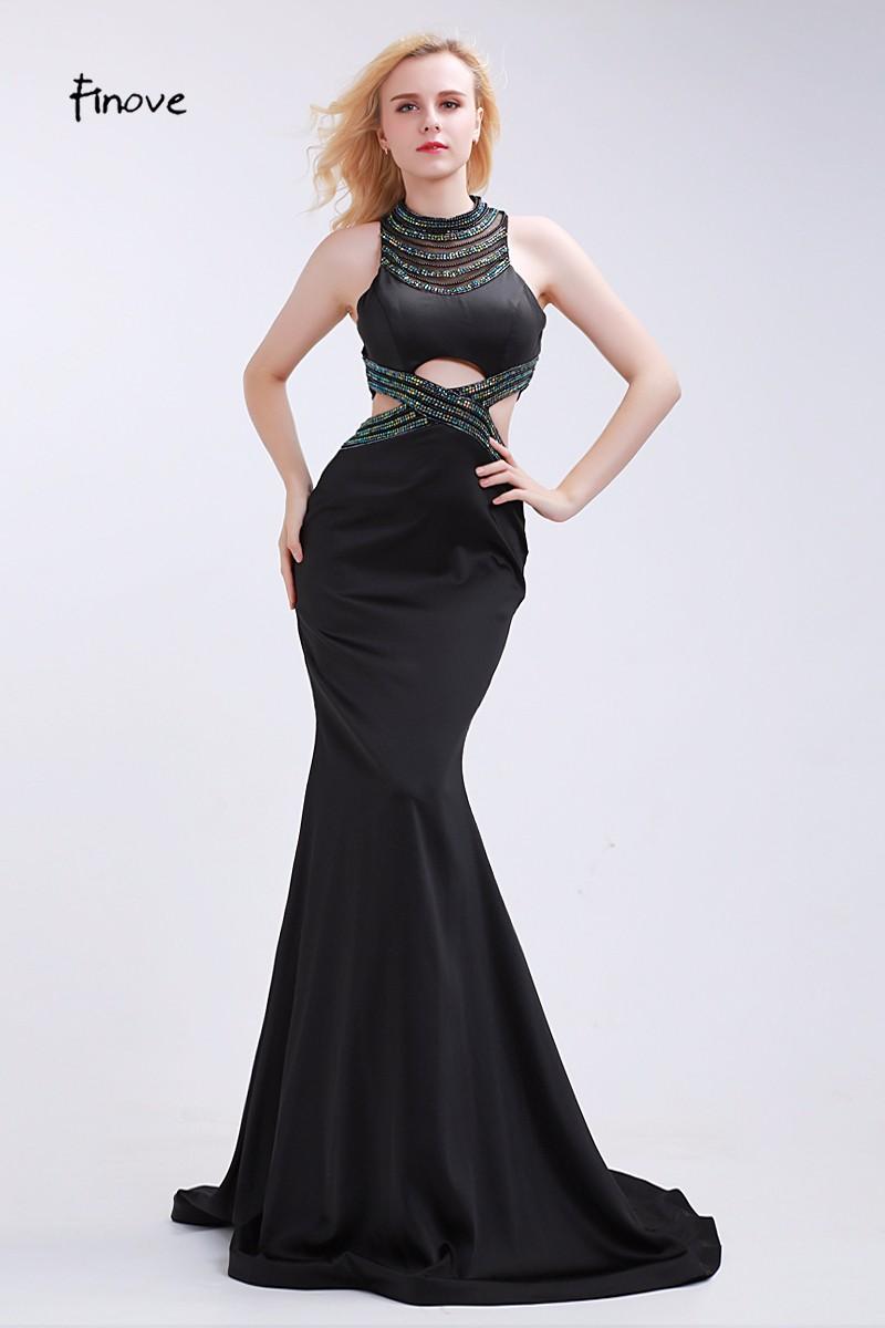 6bd1b753d ماريا تريد - فستان اسود . ستان . متوفر بمقاسات متنوعة. بلا اكمام ...