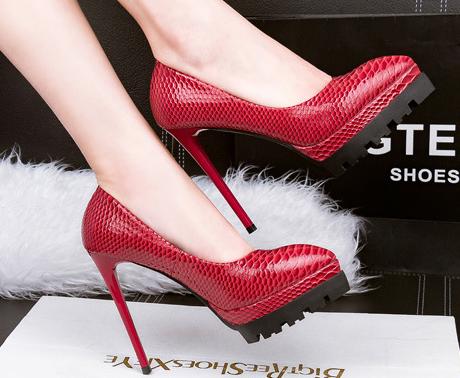 8e47c5d04d22e حذاء كعب عالى جلد موديل جديد