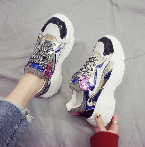 c04ef88c3 حذاء رياضى بشكل جديد وملون بالوان جذابة