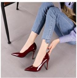 87dfee882124e حذاء كعب عالى جلد لامع -بالوان متعددة ومتنوعة - تصميم جذاب