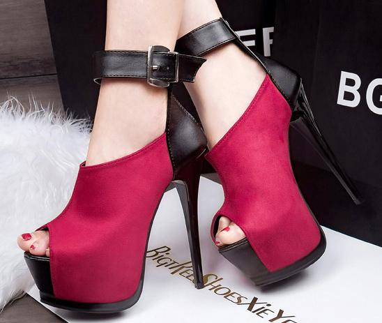 7e486f375331b حذاء كعب عالى قطيفة وجلد ملون بالوان متنوعة